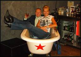 In the tub - Eurotrash